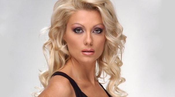 Венета Райкова имала 7 корекции по тялото